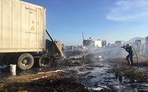 Xe container bốc cháy ngùn ngụt trên quốc lộ 1A