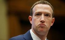 """Những câu hỏi """"khó đỡ"""" của nghị sĩ Mỹ dành cho ông trùm Facebook"""