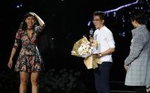 Cựu sinh viên Hoa Sen cầu hôn trong show Hà Anh Tuấn