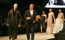 Đại sứ Ý làm người mẫu trình diễn thời trang Ý ở Sài Gòn