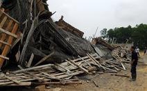 Sập giàn giáo xây dựng cây xăng, 7 người bị thương