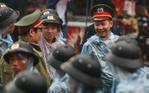 2.000 chiến sĩ công an, quân đội dầm mưa giữ trật tự lễ giỗ Tổ