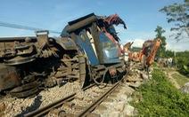 Cứu hộ làm chậm, tuyến đường sắt ách tắc nhiều giờ