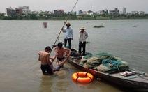 Đà Nẵng: Hai bảo vệ cứu kịp thanh niên nhảy cầu