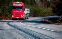 Thụy Điển làm đường có thể sạc điện cho xe chạy
