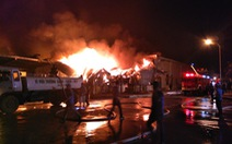 Cháy lớn tại kho sợi trong khu công nghiệp ở Móng Cái