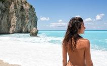 10 bãi biển cho khách 'tắm tiên' ở Mỹ