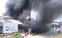 Cháy nhà kho vựa trái cây ở Tiền Giang