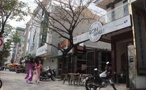 Phát hiện 7 bảng hiệu tiếng nước ngoài 'đè' tiếng Việt