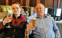 Cha con cựu điệp viên Nga bị đầu độc 'đang hồi phục'