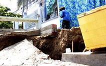 Nhà mới xây tránh sạt lở tiếp tục bị hàm ếch gây nứt