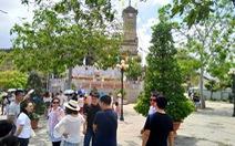 Nha Trang kiểm tra 15 đoàn khách Trung Quốc, phạt 10 trường hợp