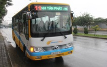 Tài xế đuổi học sinh xuống xe buýt vì không có tiền thối 100.000