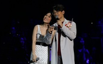 Đêm Romance và Hà Anh Tuấn 'lộn xộn' thơm má Mỹ Tâm 4 lần