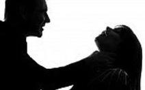 Nợ 20 triệu đồng, một phụ nữ bị cắt tai