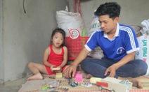 Nhiều nơi hỗ trợ cậu học trò 'ước mơ chông chênh vì nghèo'