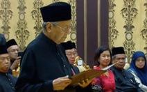Tân thủ tướng Malaysia Mahathir Mohamad 92 tuổi nhậm chức