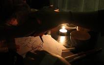 Quán trà tắt… đèn, ngồi nghe chuyện của nhau