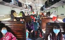 Tàu khách xóc lắc bất thường ở đoạn gần Long Khánh, Đồng Nai