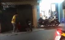 Rớt nước mắt video clip hiệp sĩ bị đâm gục còn hô 'cướp, chặn nó lại'