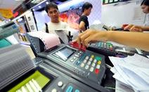 Tuýt còi việc thông đồng với chủ thẻ tín dụng giao dịch khống