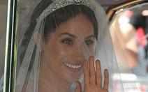 Meghan Markle diện váy cưới Givenchy trong đám cưới Hoàng gia