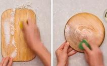 Mẹo làm mới thớt gỗ và khử mùi dầu mỡ chớp nhoáng