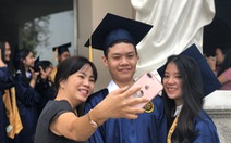 Lễ tốt nghiệp kiểu Mỹ và lời tri ân 'hờn dỗi'