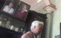 Ông bố xì tin tự chụp hình rồi treo khắp nhà