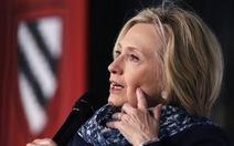 Bà Hillary Clinton cảnh báo nền dân chủ Mỹ đang khủng hoảng