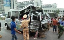 Xe tải đâm xe khách trên cao tốc Hà Nội - Bắc Giang, 2 người tử vong