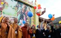 Hàng nghìn người dự Đại lễ Phật đản tại Việt Nam Quốc tự