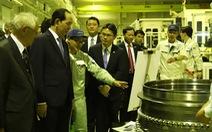 Chủ tịch nước thăm nhà máy sản xuất động cơ xe đua của Nhật