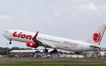 10 hành khách nhảy khỏi máy bay vì báo động giả