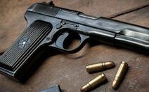 Bắt cán bộ công an trộm nhiều súng bán cả trăm triệu