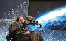 Gia đình nhà bác học Stephen Hawking tặng máy thở của ông cho bệnh viện