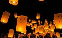 Đèn trời rực sáng thánh địa Phật giáo trong đại lễ Phật đản