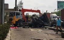 Xe container bốc cháy sau va chạm, tài xế tử vong
