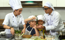 Mẹ con Thu Trang dạy nấu ăn trong 'lớp' Trùm bếp từ ngày 1-6