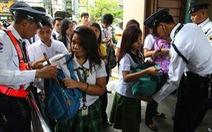 Philippines đề xuất cho phép kiểm tra cặp học sinh