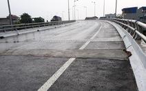 Đã sửa xong hố sụt trên cầu Tân Phong