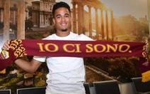 Con trai Kluivert gia nhập AS Roma