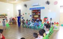 Cô giáo đồng loạt quỳ, có trách nhiệm địa phương cho mở lớp 'chui'