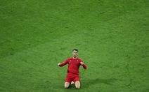 Ronaldo góp vào bữa tiệc bóng đá thịnh soạn của bán đảo Iberia
