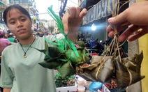 Dân Sài Gòn chi tiền triệu ăn Tết đoan Ngọ