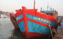 20 tàu cá trú áp thấp ở Hoàng Sa bị tàu Trung Quốc xua đuổi