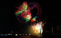 Xem Ý và Hong Kong biểu diễn pháo hoa trên bầu trời Đà Nẵng