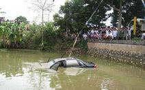 Cán bộ Sở Giao thông Hải Phòng chết trong xe chìm dưới ao
