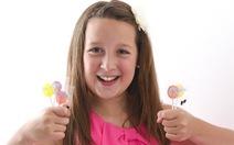 Cô bé 13 tuổi thành triệu phú nhờ làm kẹo mút