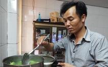 Chồng vào bếp: thêm gia vị tình yêu cho bữa cơm nhà